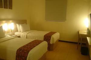 D'Inn Rungkut Juanda Surabaya - Deluxe Room with Twin Bed