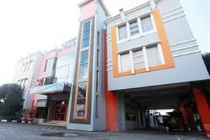 Plaza Hotel Tegal - Tampilan Luar