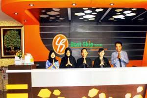 Best Skip Hotel Palembang - Resepsionis