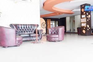 Best Skip Hotel Palembang - Facilities