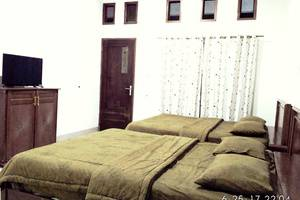 Hotel Buah Sinuan Lembang - New Grand Balcony Family for 4 Person with 2 High Quality Double Spring Bed