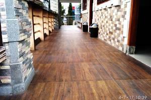 Hotel Buah Sinuan Lembang - Balcony Terrace