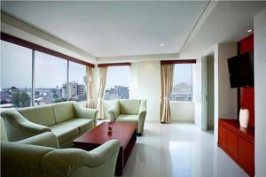 Hotel Santika Makassar - Santika Suite-Living Room