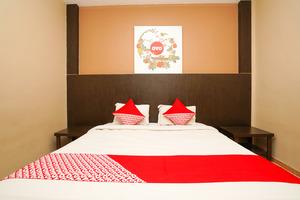 OYO 1093 Hotel Griyo Avi