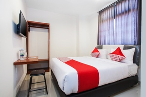 OYO 491 Uno Hotel