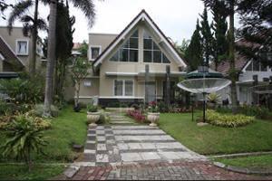 Villa Kota Bunga Peony