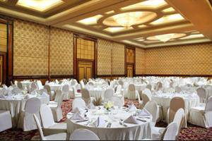 Sheraton Surabaya Hotel and Towers Surabaya - Ballroom