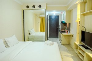 Modern Studio Grand Serpong Apartment By Travelio
