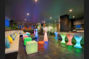 Ibis Styles Jemursari Surabaya - Nightclub