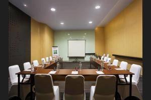 Ibis Styles Jemursari Surabaya - Meeting Facility