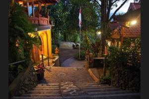 Puri Lumbung Cottages Bali - Interior Entrance