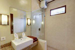 Nipuri Hotel Bali - Kamar mandi Deluxe