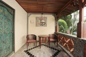 RedDoorz Near Kuta Beach Bali - Interior