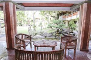 RedDoorz Near Kuta Beach Bali - Interior