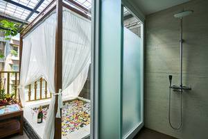 The Crystal Luxury Bay Resort Nusa Dua - Bali Bali - Jacussy at Deluxe Room Jacussy
