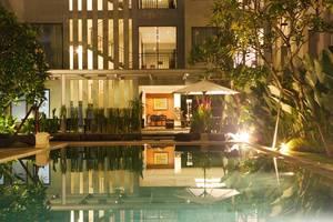 Umalas Hotel & Residence Bali - Pemandangan Kolam Renang