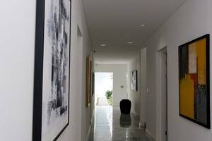 V Residence Jakarta - Koridor
