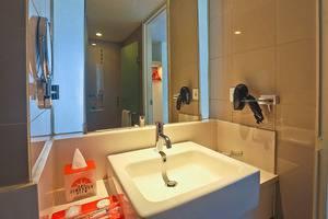 The Jimbaran View Bali - Bathroom