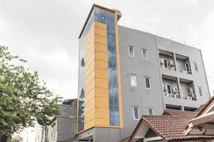OYO 106 Sarkawi Residence