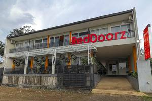 RedDoorz near Exit Tol Bogor - Exterior