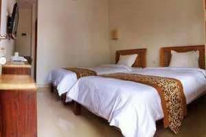 De Halimun Guest House Bandung - Kamar Deluxe Twin