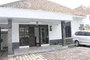 De Halimun Guest House Bandung - Luar Hotel