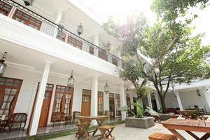 Halimun Guest House & Resto