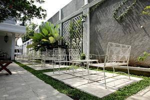 De Halimun Guest House Bandung - Exterior