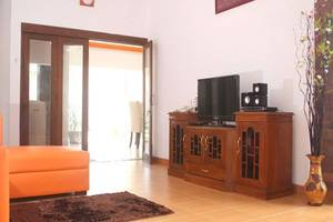 Simply Homy Guest House Wirosaban - Interior