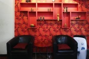 Hotel Celvasha Jakarta - Seating Area