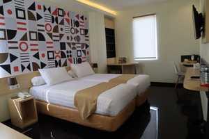 Front One Inn Kediri Kediri - Executive Room
