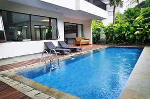4 BR 1 Villa Dago City View Pool 1 Bandung - Kolam