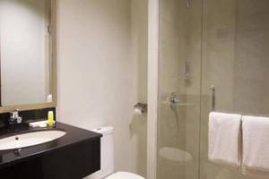Genio Hotel Manado Manado - Kamar mandi
