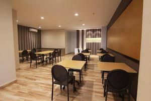 Genio Hotel Manado Manado - Restoran