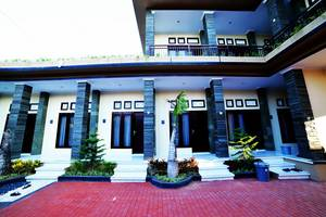 Ratu Guest House By YOM Bali - hotel area