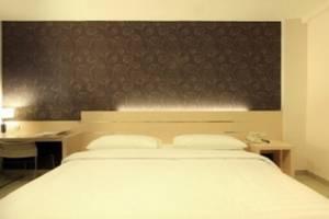 Cordela Hotel Medan - Deluxe Double