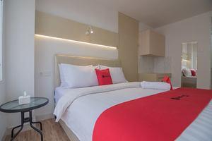 RedDoorz Apartment @ Sentul Tower