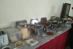 Saras Hotel Tuban - Prasmanan Breakfast