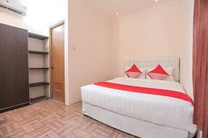 OYO 141 Fatmawati Cozy Residence