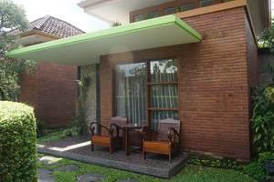 Rumput Hotel Yogyakarta - Pemandangan