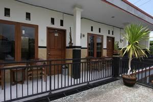 RedDoorz @ Wana Segara Kuta Bali - Eksterior