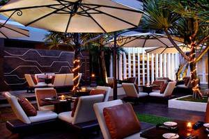 Aston Kuningan Suites Hotel Jakarta - Taman Belakang