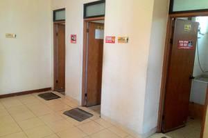 Imam Bonjol Hostel Semarang - Kamar Mandi bersama