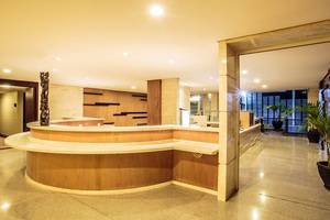 Hotel Crown Tulungagung - Lobby