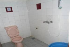 Lie Mas Hotel Pasuruan - Toilet