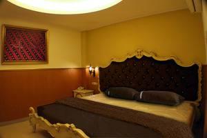 Grand Batik Inn Jakarta - Romantic Room