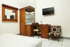 RedDoorz @Cihampelas Bandung - RedDoorz Room