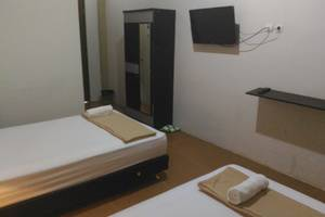 Tiara Guest House Banjarmasin - Deluxe Twin Room