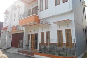 Simply Homy Guest House Pogung Yogyakarta - Tampilan Luar Hotel