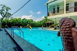 Albis Hotel Bandung - Swimming Pool